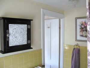 A cabinet was added on the side wall to provide more storage.