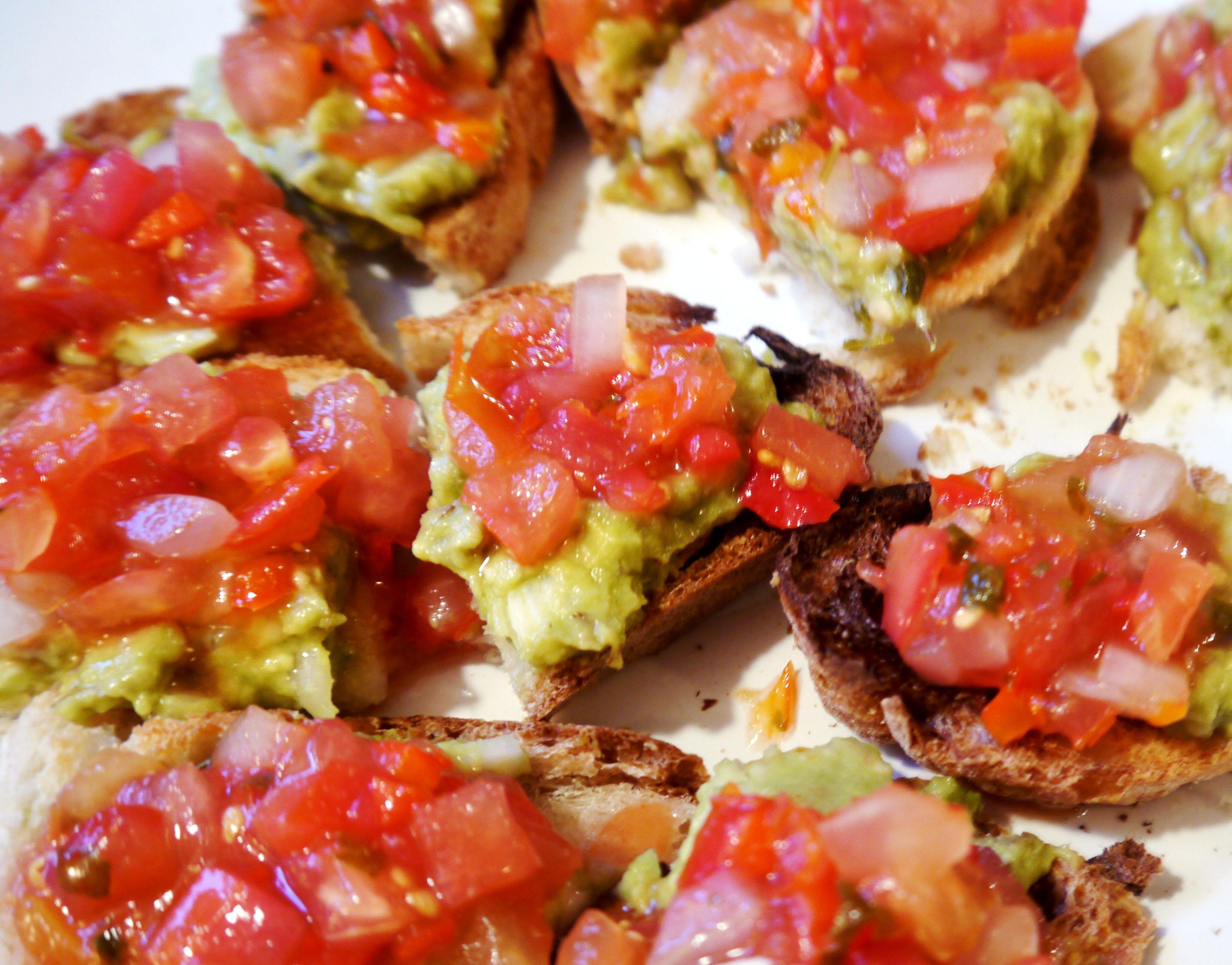 Crostini with salsa
